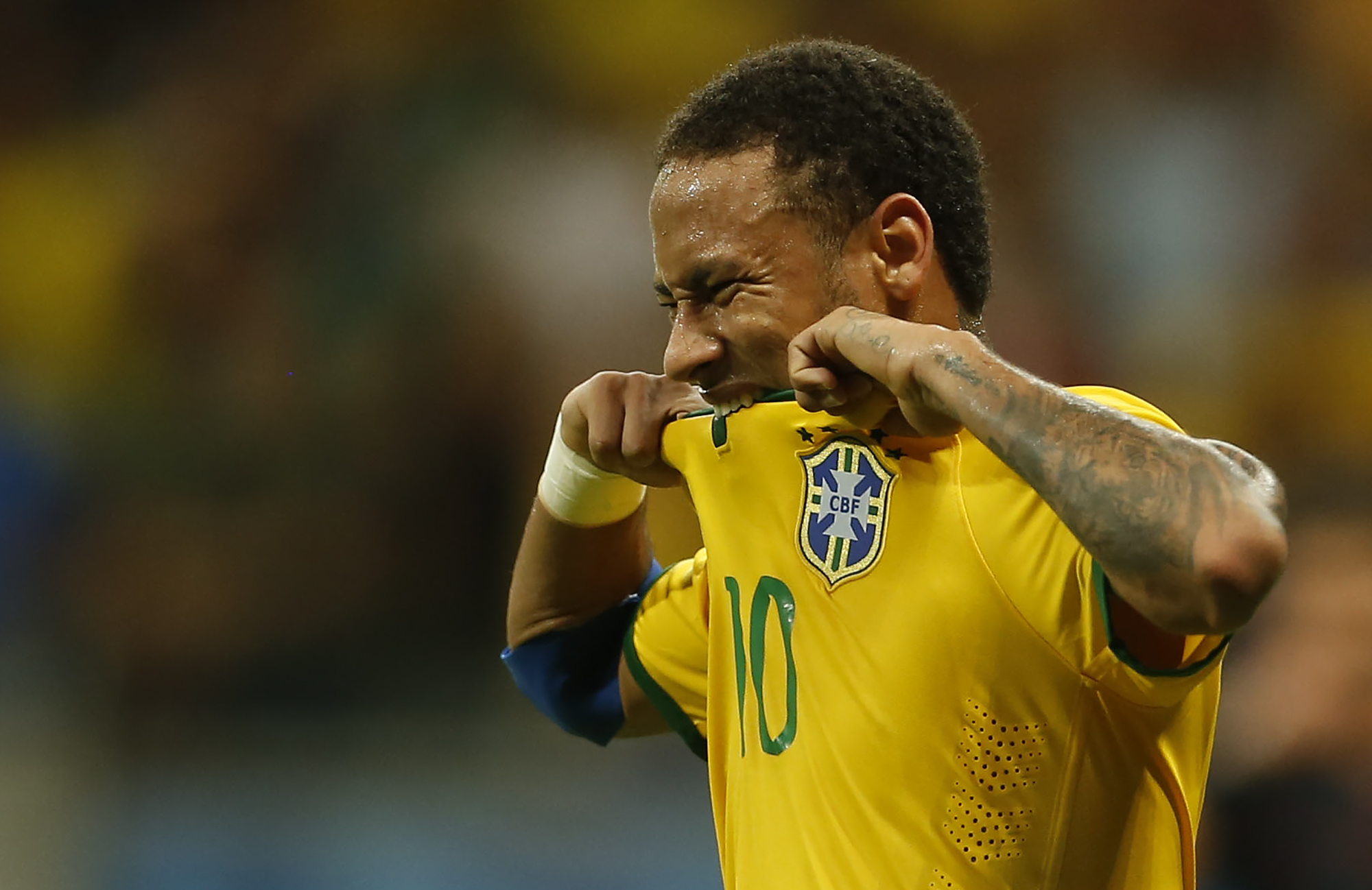 Neymar do Brasil reage durante partida contra o Peru pelas eliminatorias da Copa 2018, na Arena Fonte Nova, em Salvador, Bahia, Brasil, Novembro, terça-feira, 17, 2015. Foto Andre Mourao/Mowa Press