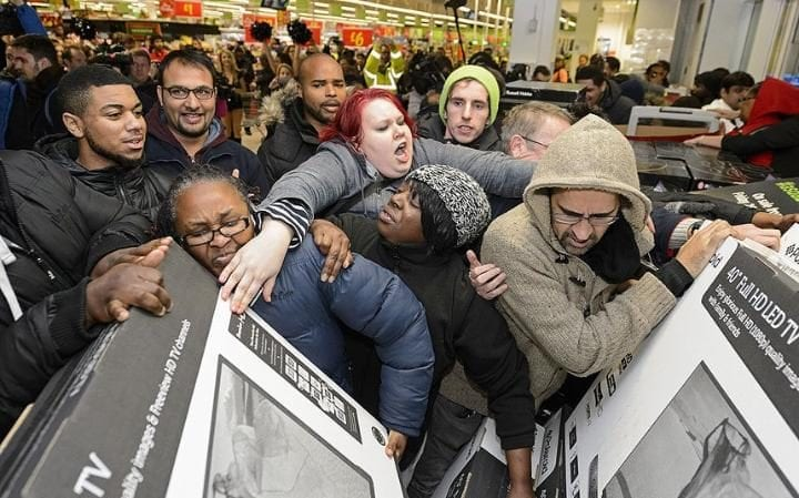 Black Friday na Inglaterra. Imagem: Telegraph